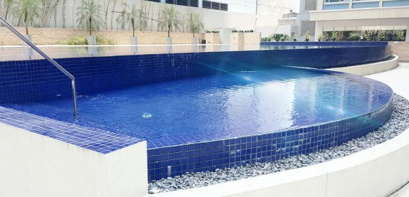 jasa-pembuatan-kolam-renang-perawatan-renovasi-7